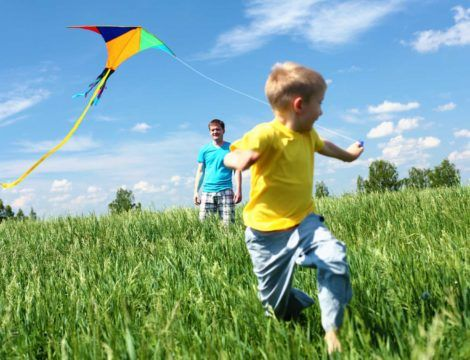 enfant cerf volant